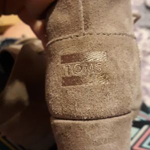 Girls ankle boots by Toms